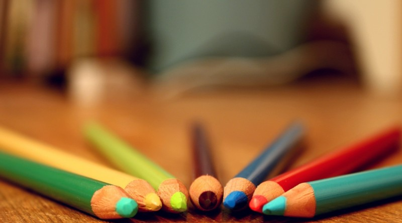 6780595-colored-pencils-background